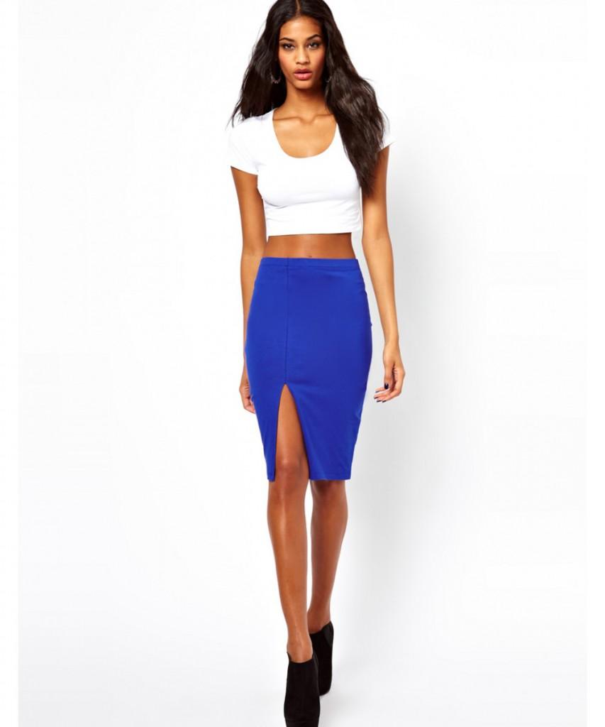 Синяя юбка карандаш с белым топом