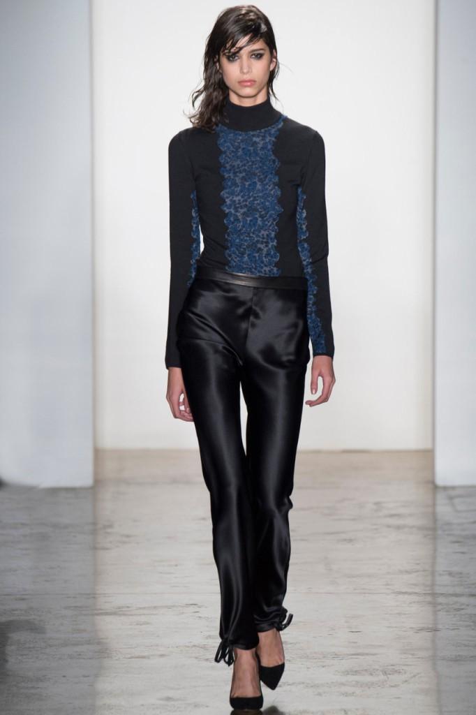Атласные женские черные брюки