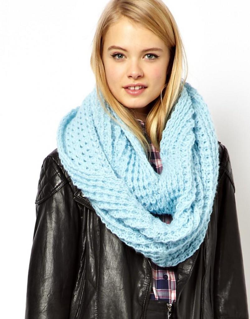 Голубой шарф-снуд