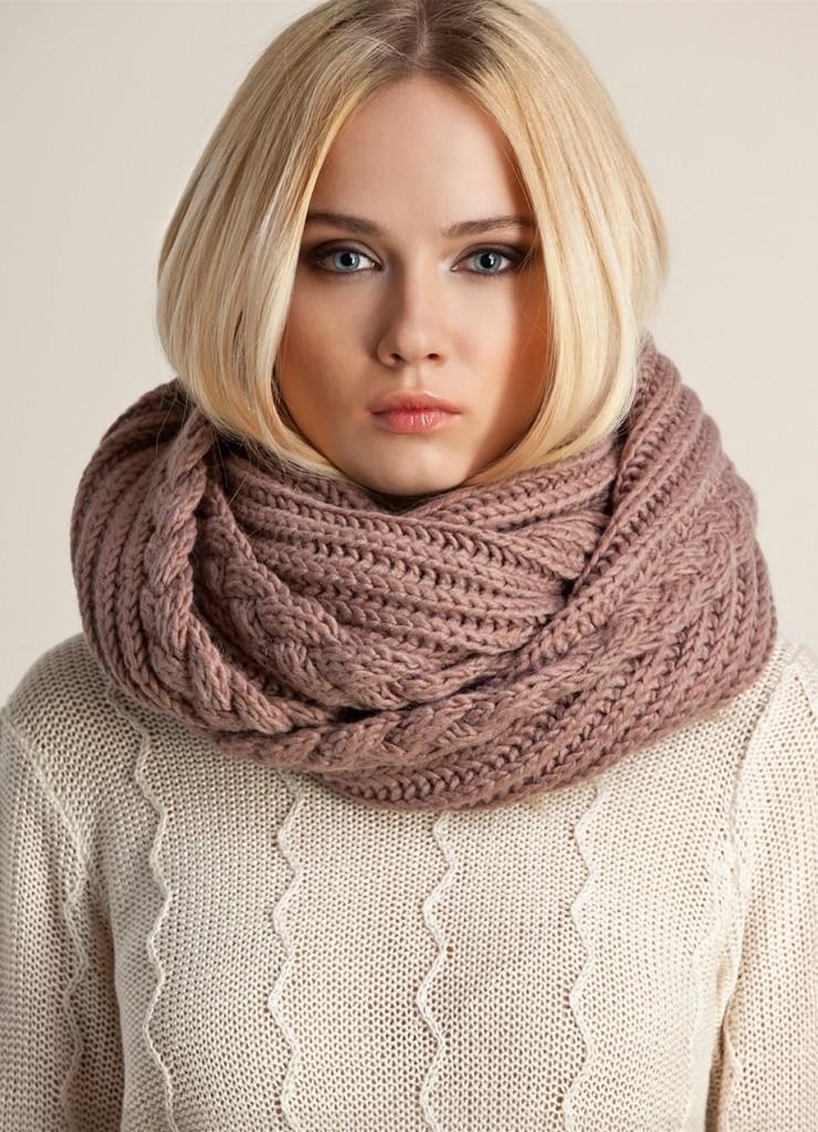 Кофейный шарф-снуд