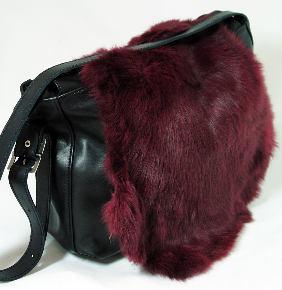 Модная сумка из меха кролика