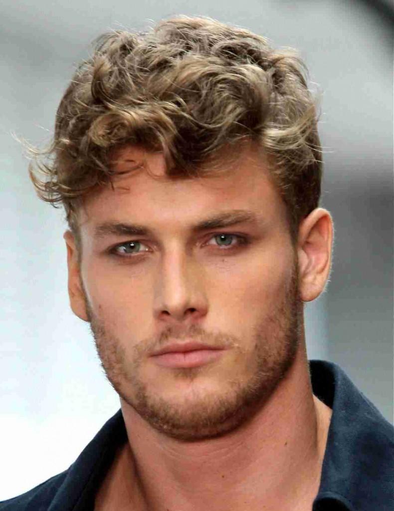 Мужская стрижка для вьющихся волос
