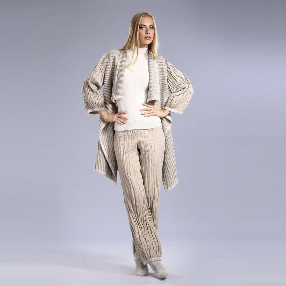 Стильные драпированные брюки из льна