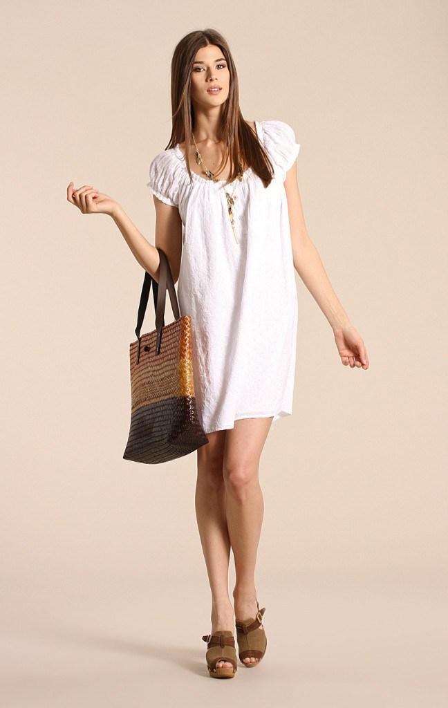 Белое короткое платье балахон