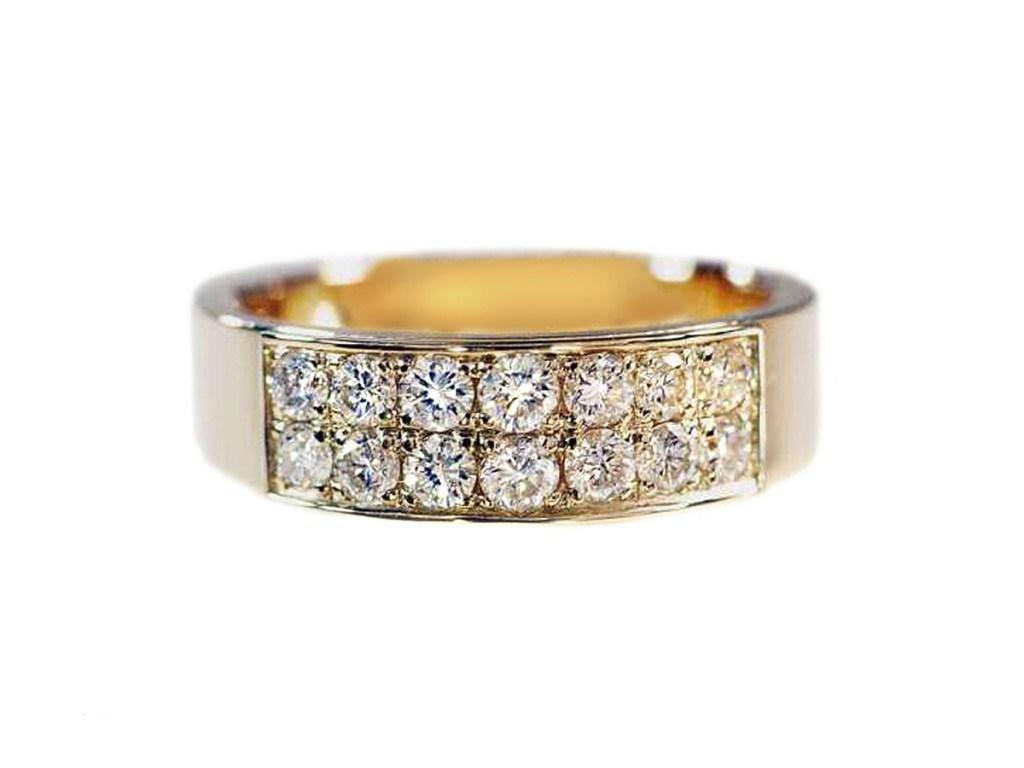 Обручальное кольцо средней ширины с бриллиантами