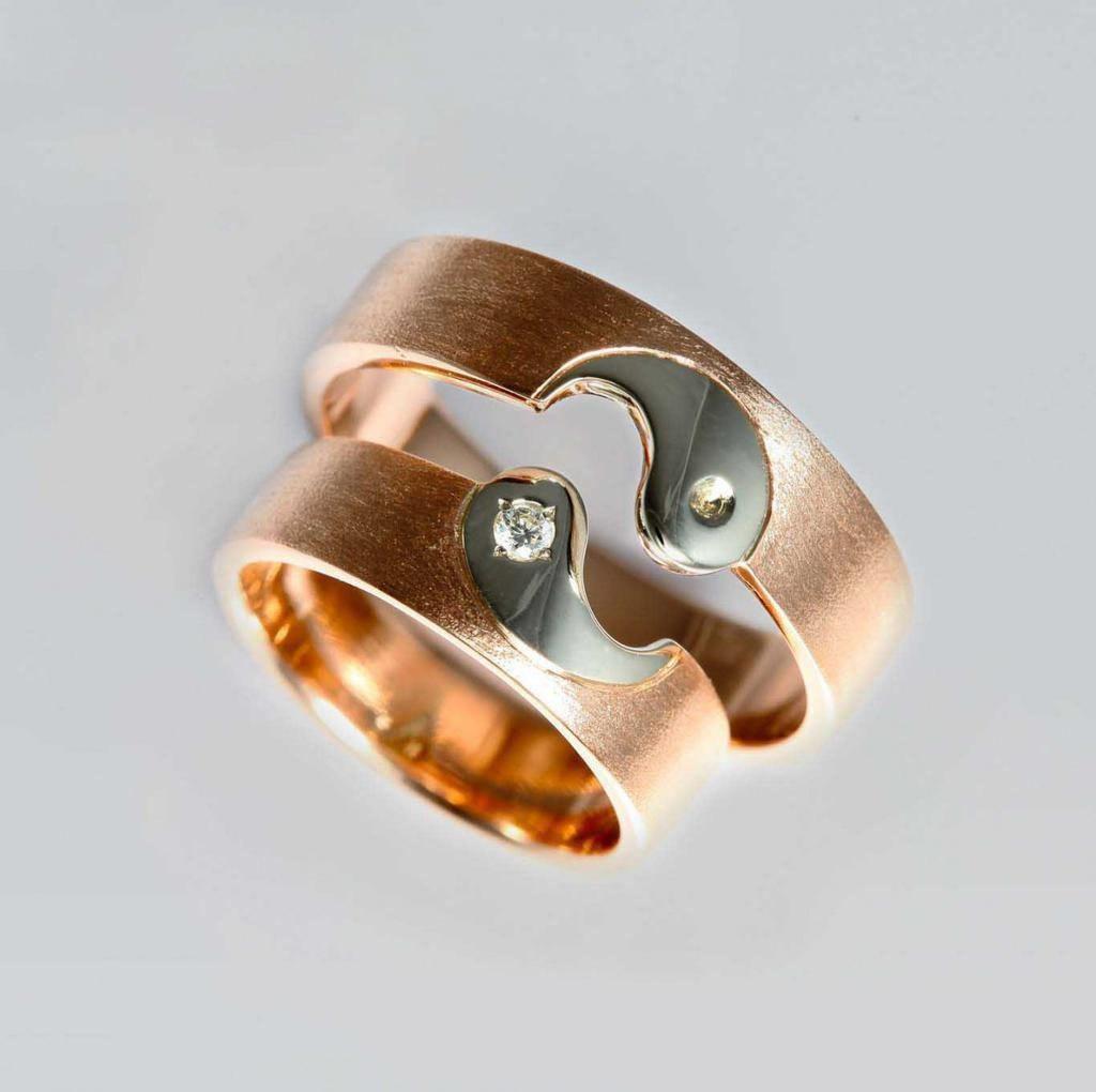 Парные обручальные кольца с символами Инь Янь