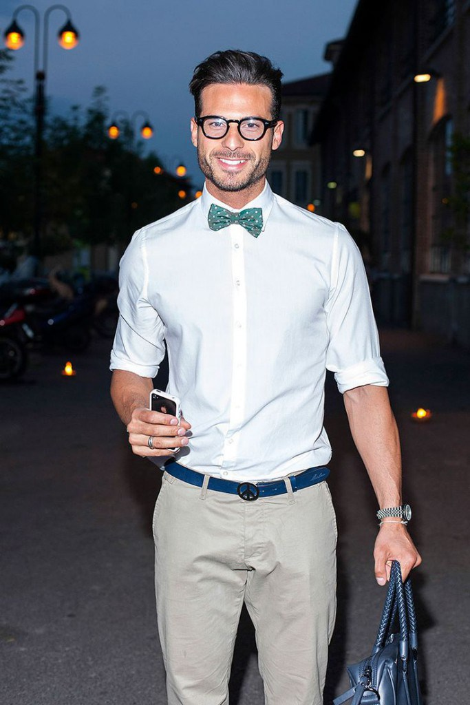 Стильный мужской образ с синим ремнем