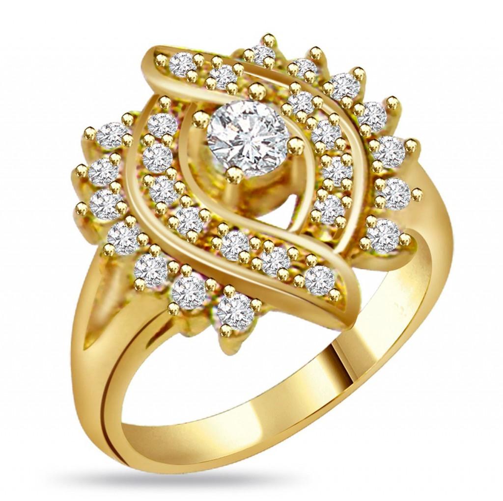 Необычное золотое кольцо с россыпью бриллиантов