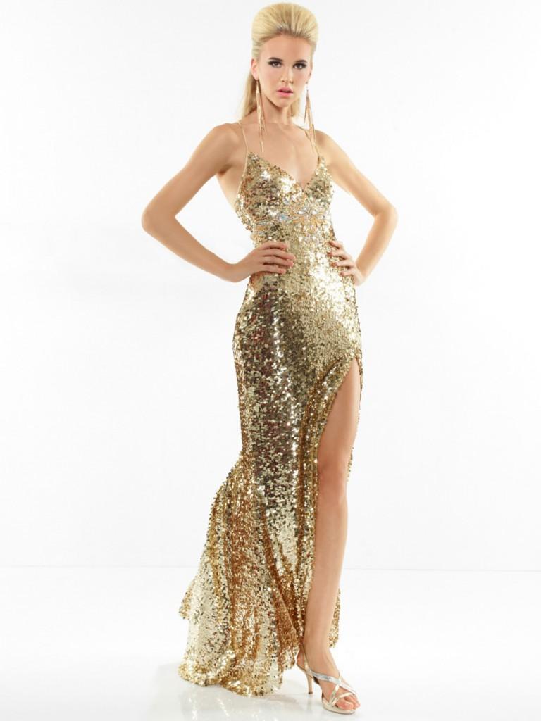 Длинное золотое платье с туфлями