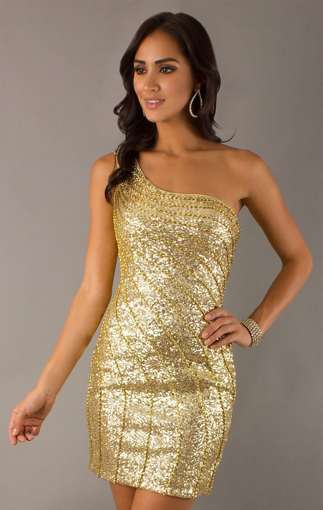 Короткое золотое платье с одной бретелей