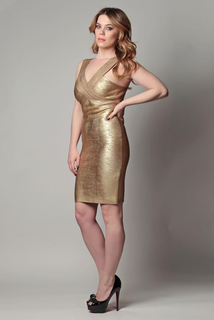 Бондажное золотое платье