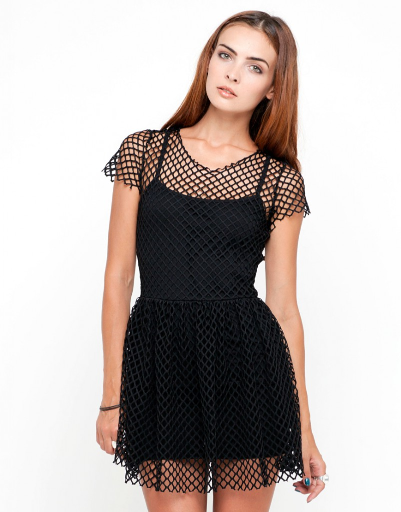 Готическое короткое платье