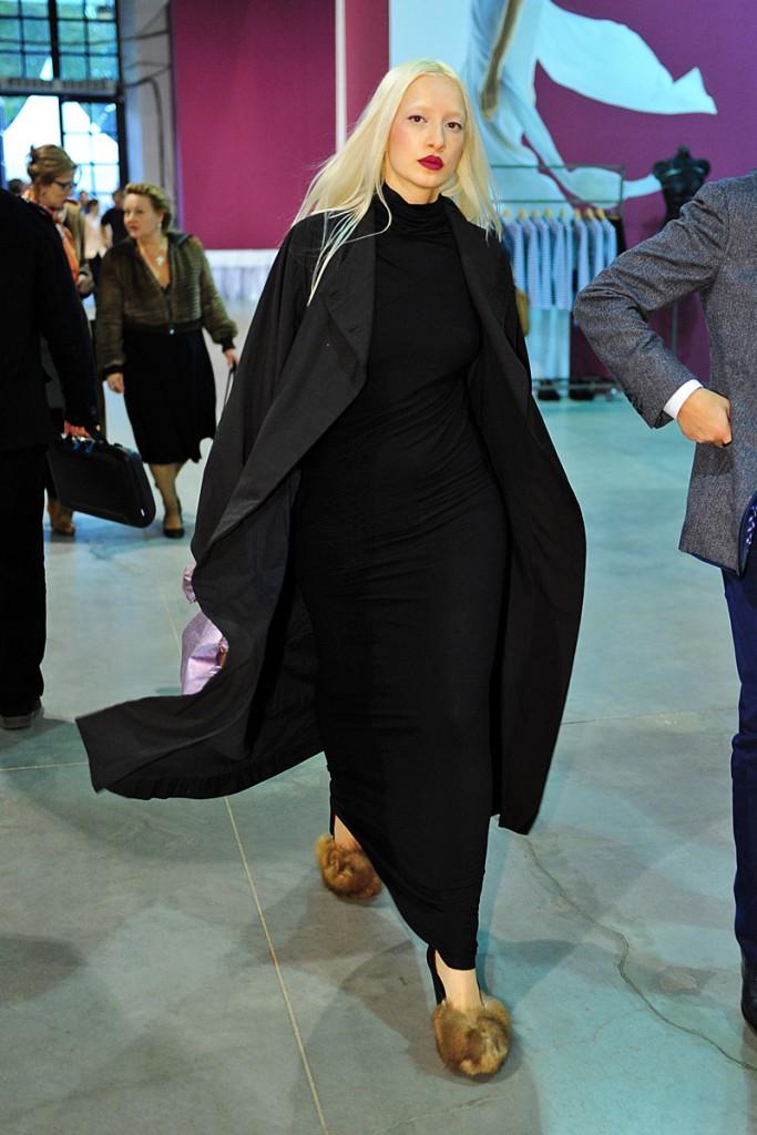 Готическое платье с пальтоГотическое платье с пальто