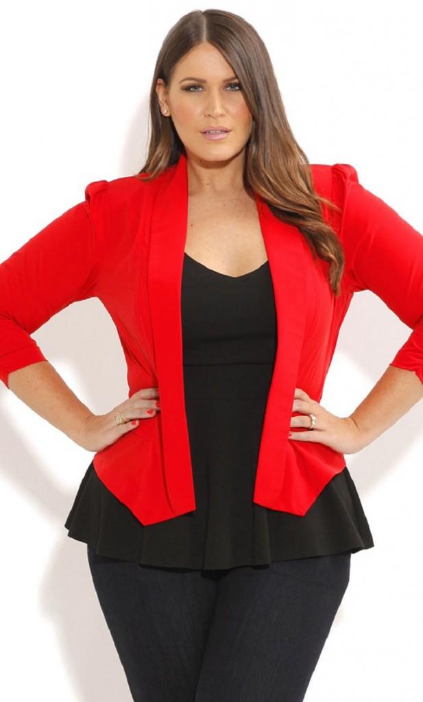 Модный красный жакет для полных женщин