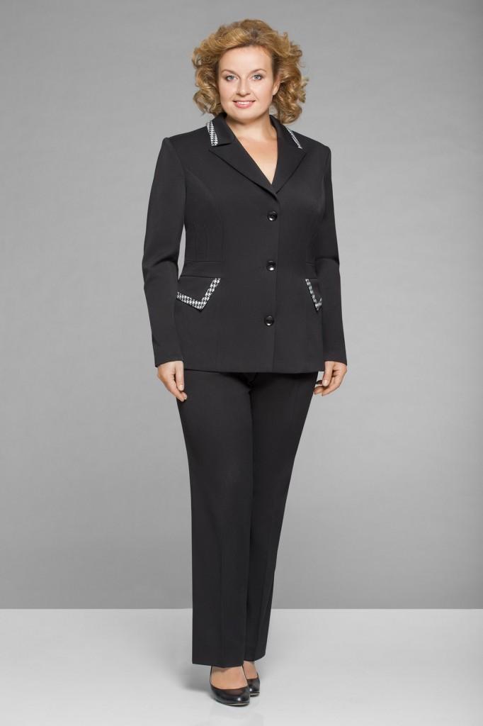 Классический деловой костюм для полных женщин