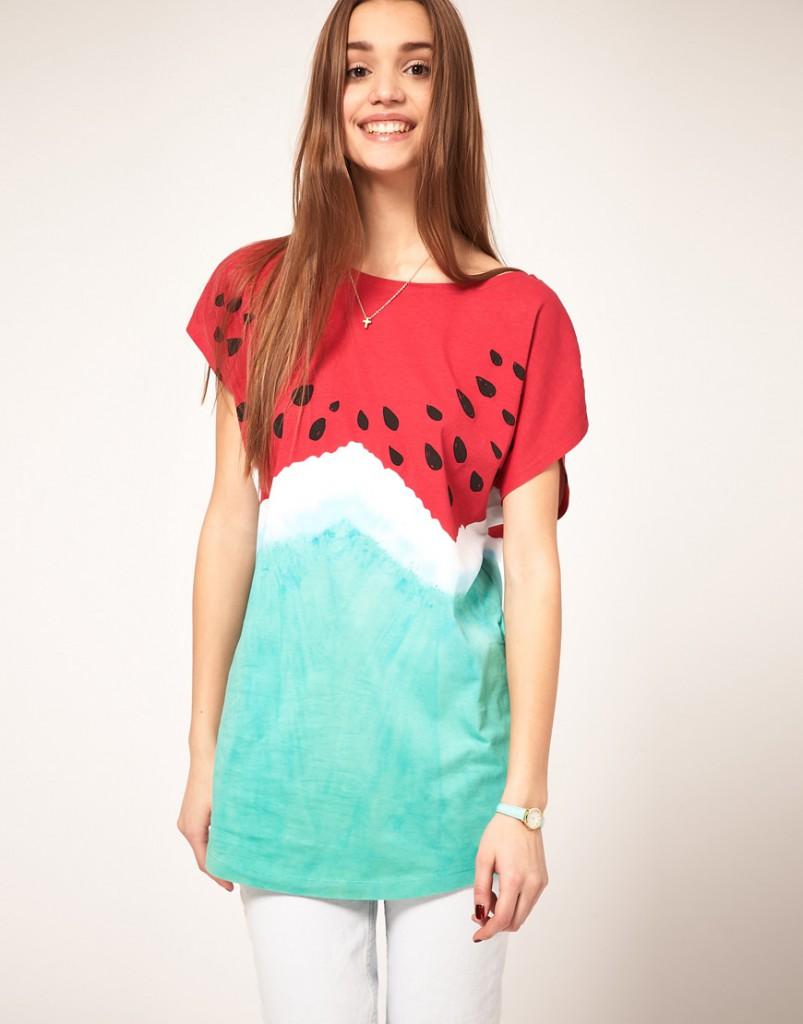 Разноцветная женская футболка с рисунком арбуза