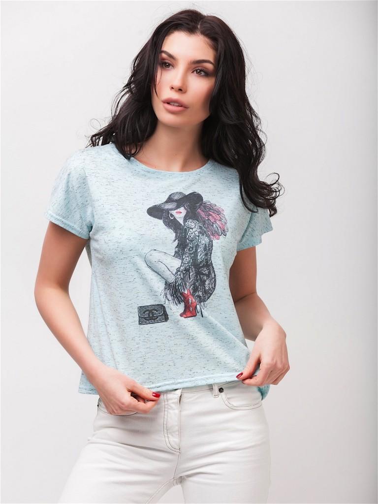 Модная голубая футболка с рисунком