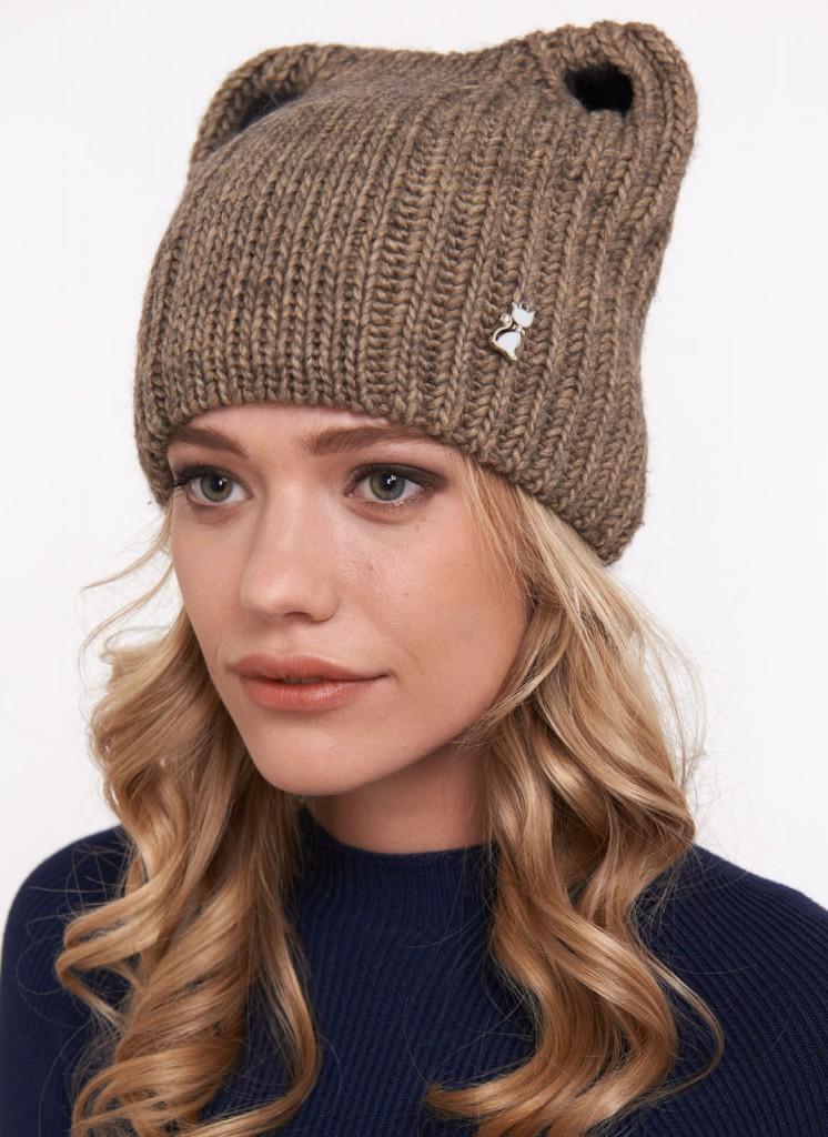 Трикотажная коричневая женская шапка с ушками