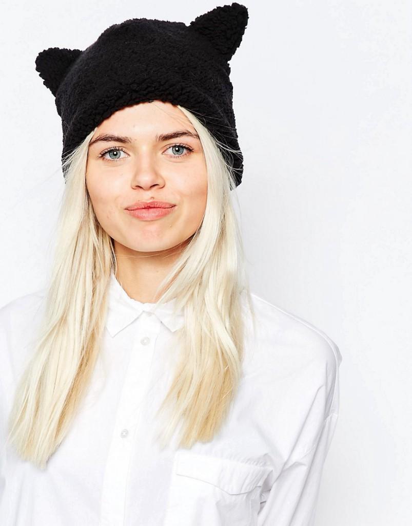 Черная модная женская шапка с ушками