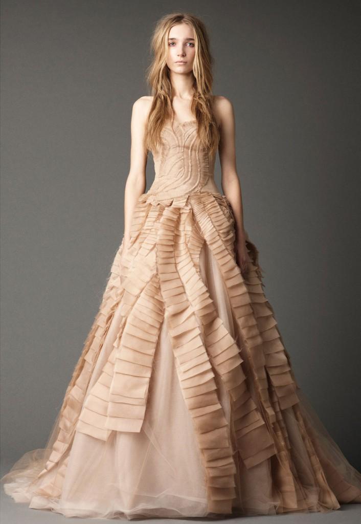 Свадебное кремовое платье