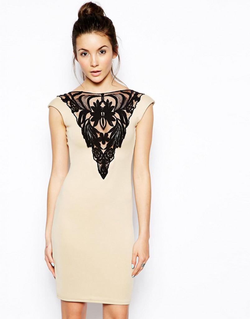Кремовое платье с черным кружевом на груди