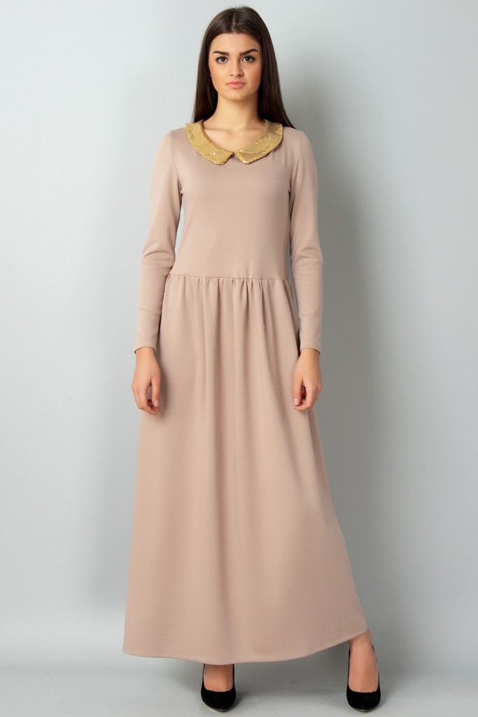 Кремовое платье с воротником