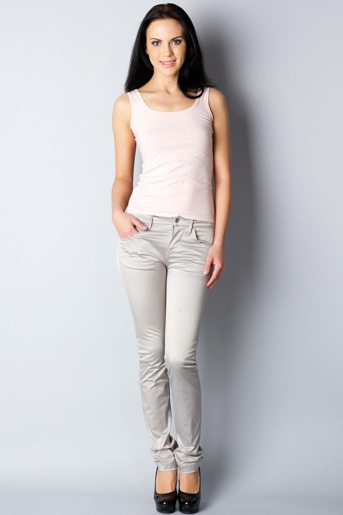 Узкие серые женские брюки