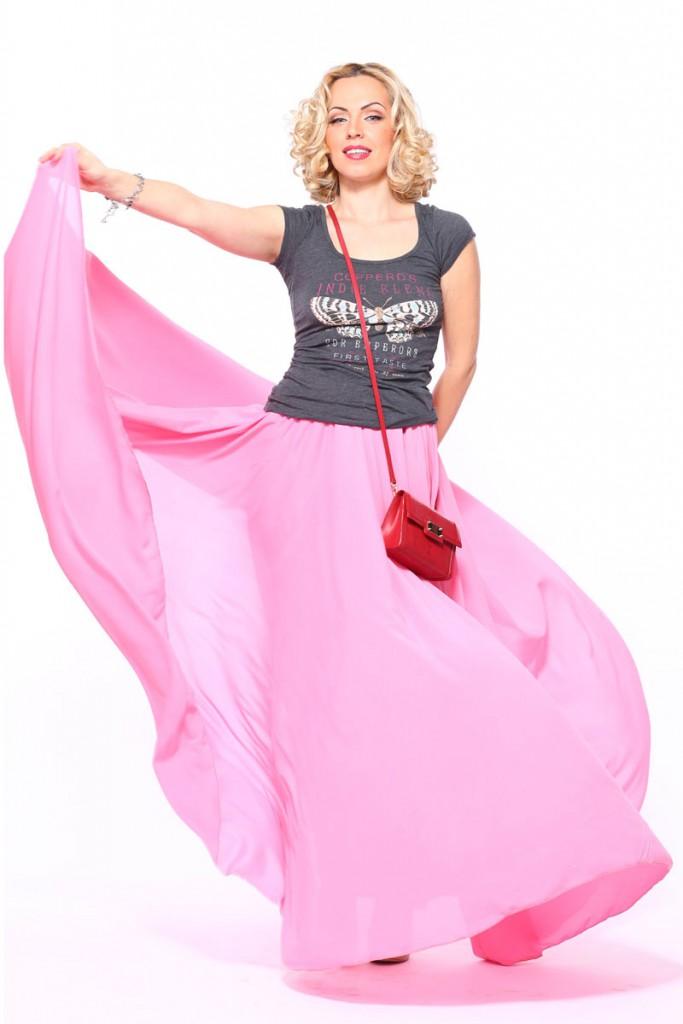 Длинная прозрачная розовая юбка