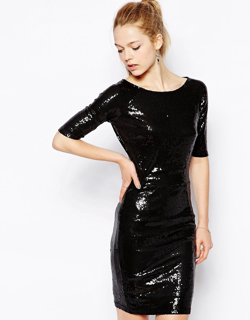 Короткое черное блестящее платье