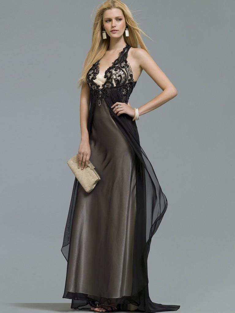 Темное красивое длинное платье