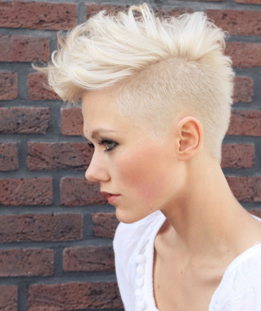 Блонд оттенка льна