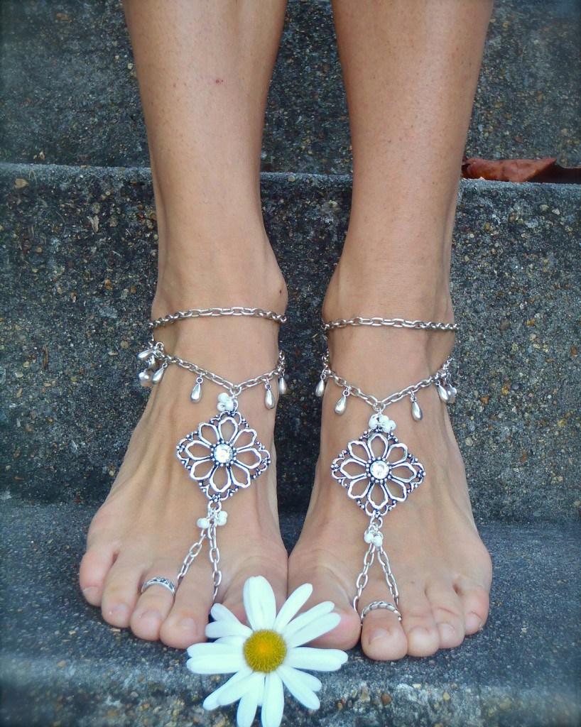 Ажурные браслеты на ступни
