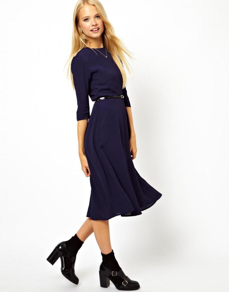 Темно-синее женское классическое платье с ремешком