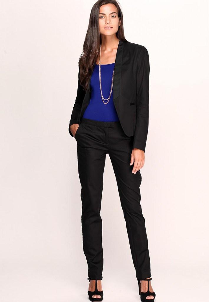 Брючный женский классический черный костюм