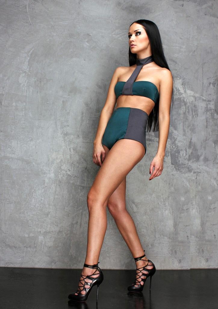 Серо-зеленый купальник в ретро стиле