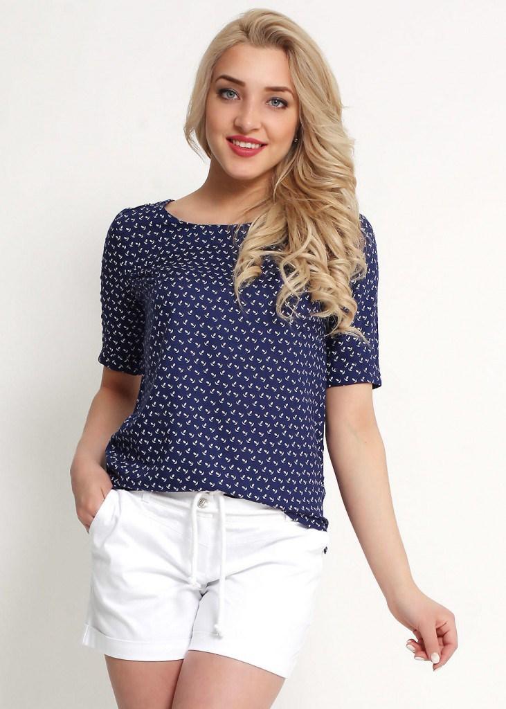Красивая женская блуза в морском стиле