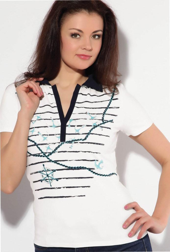 Красивая женская летняя футболка в морском стиле