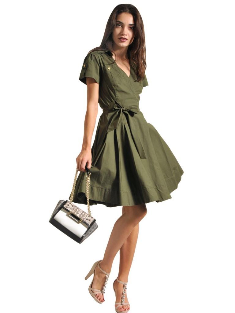 Приталенное платье в стиле сафари