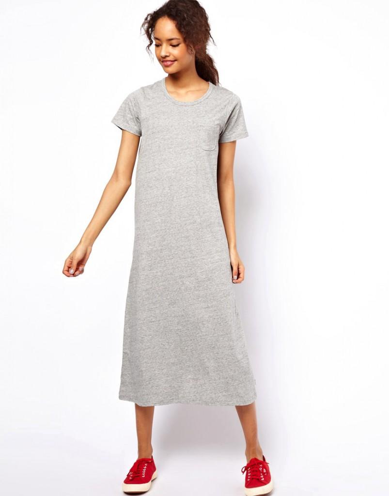 Трикотажное платье с кедами