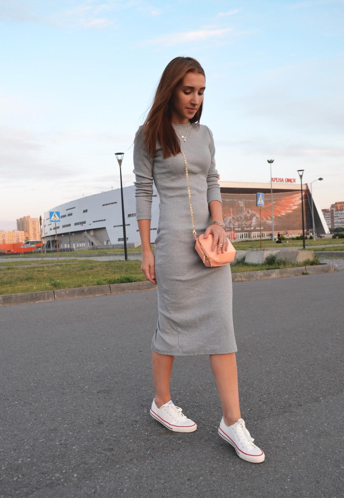 сиенна миллер платья
