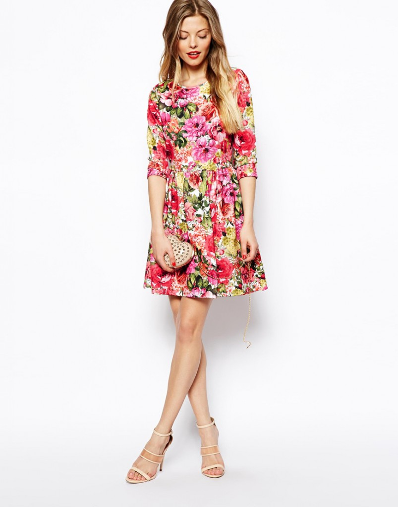 Цветочное платье в романтическом стиле