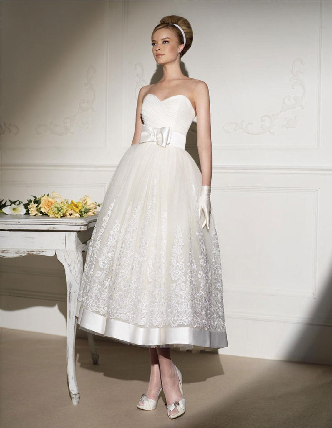 Фото женских платьев с жакетом можно сделать