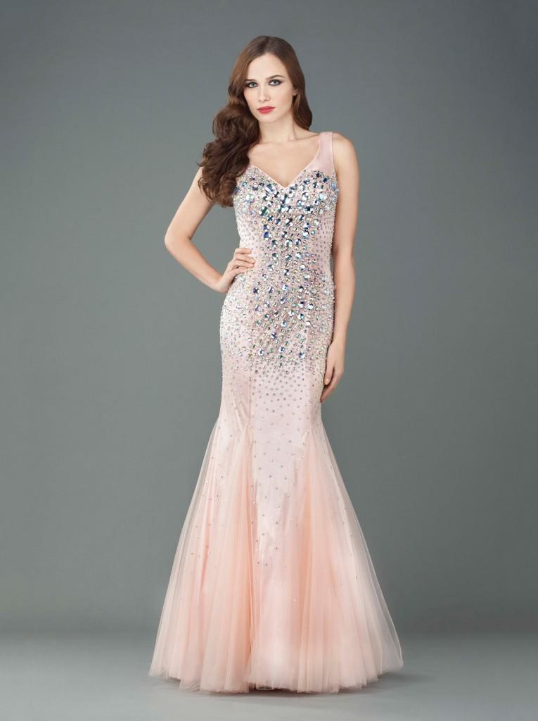 Длинное платье с камнями в гангстерском стиле