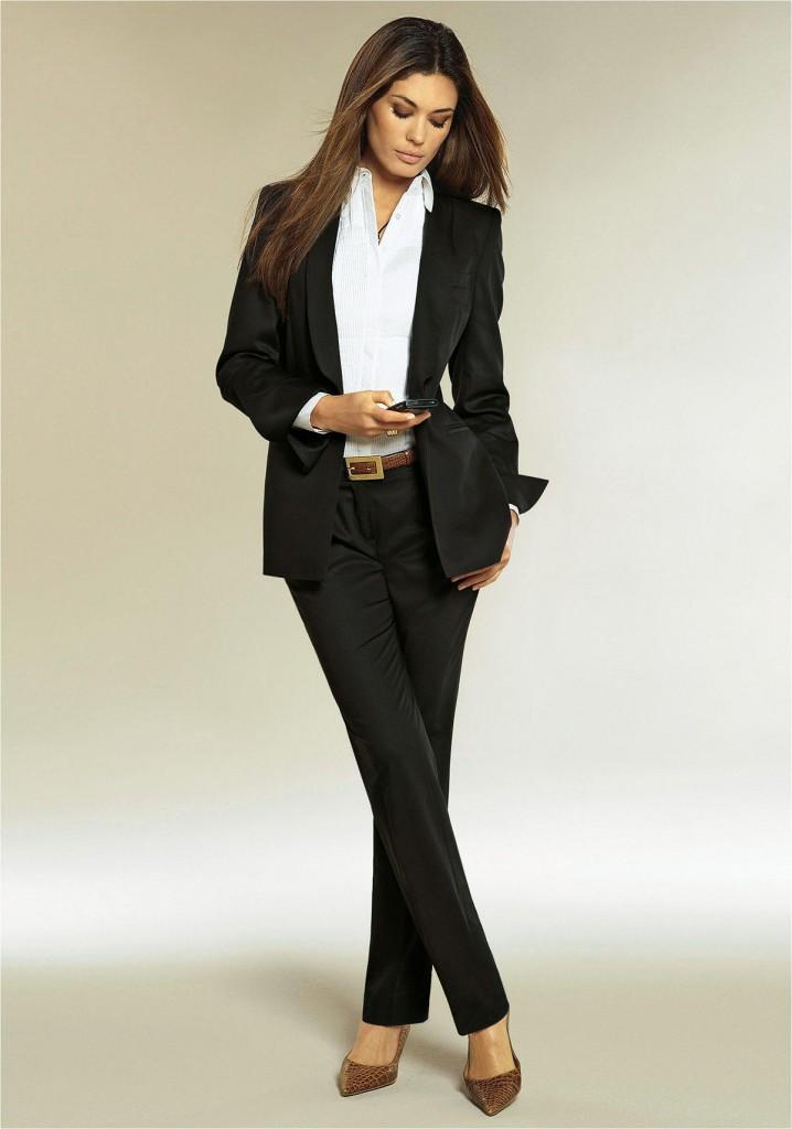 Черный женский деловой костюм