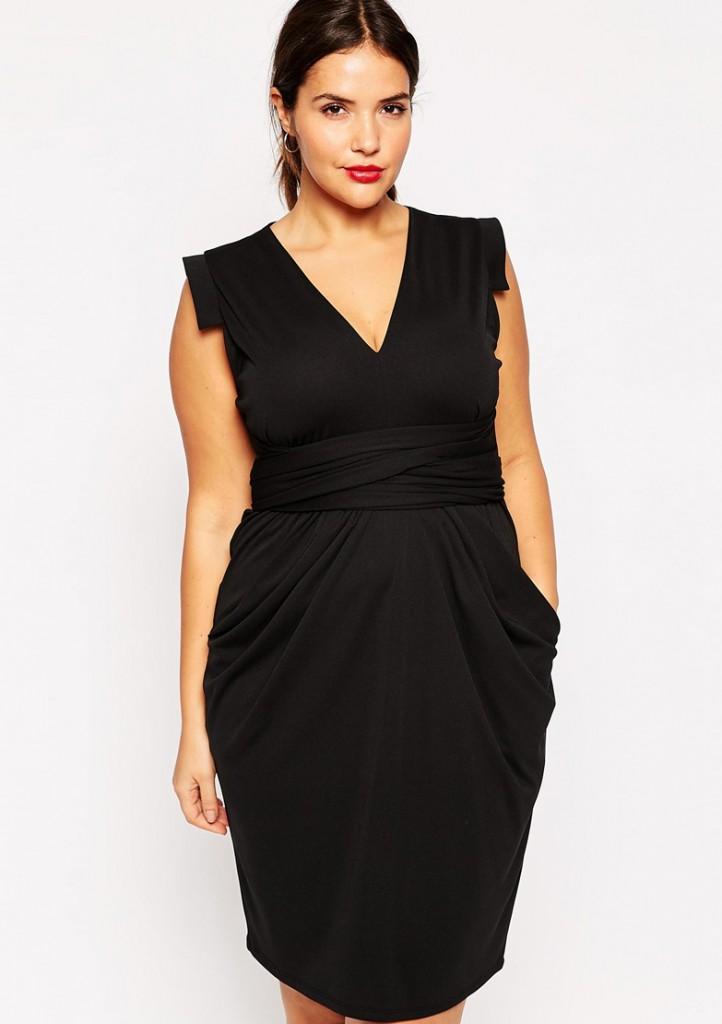 Черное офисное платье футляр для полных женщин