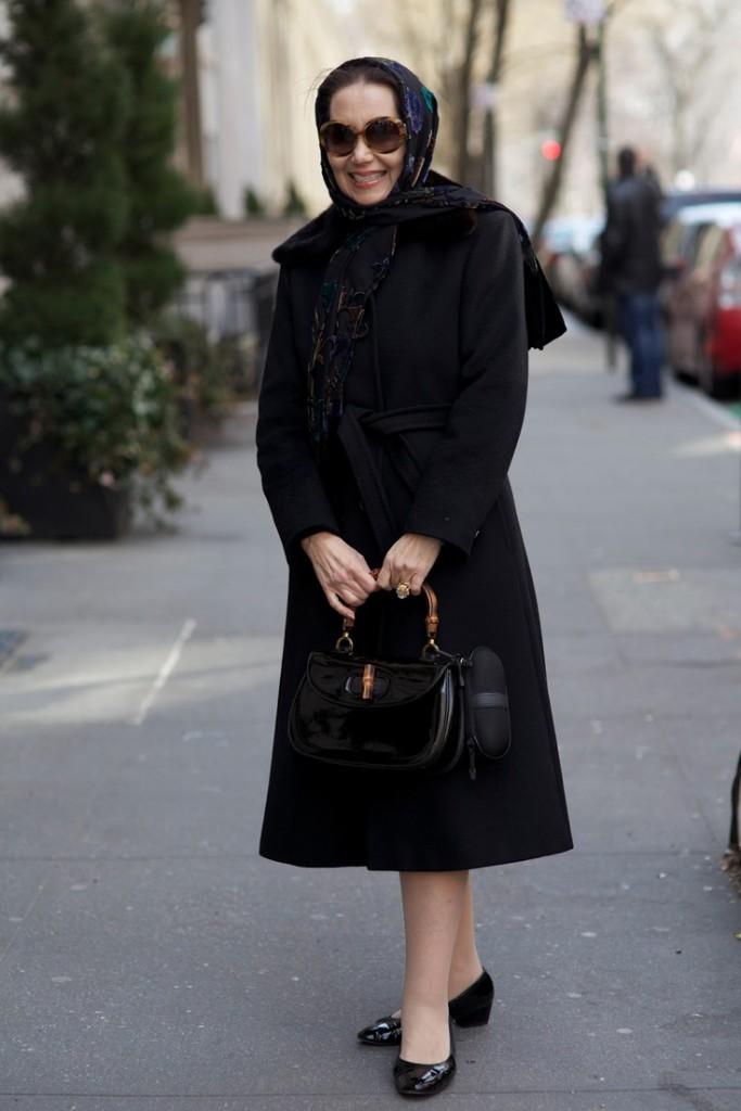 Черное пальто для женщины 50 лет
