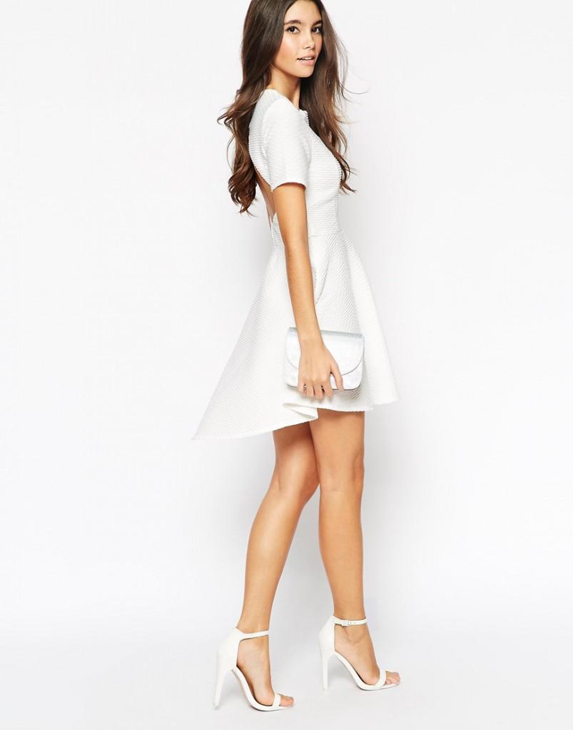 Белое платье в гардеробе женщины 30 лет