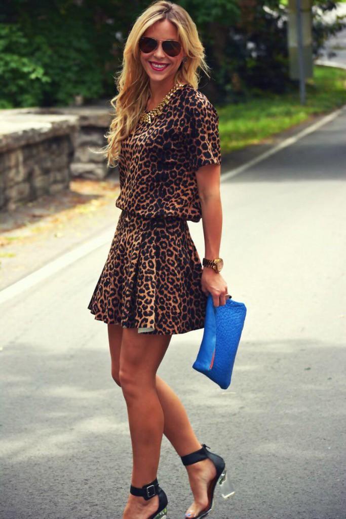Короткое платье с леопардовым принтом