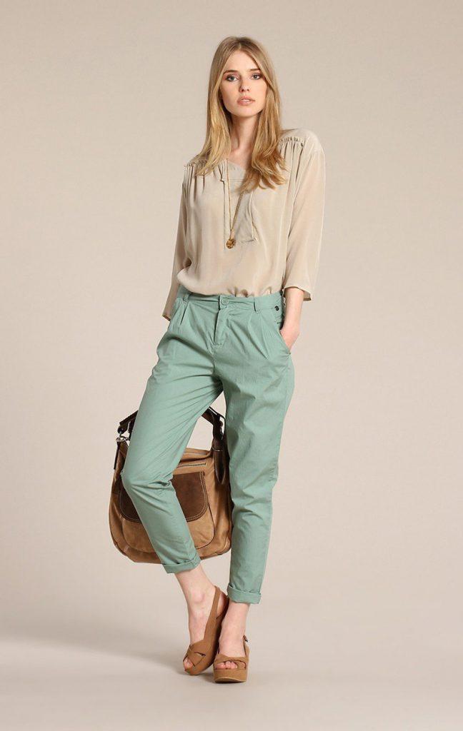 Мятные женские брюки чинос