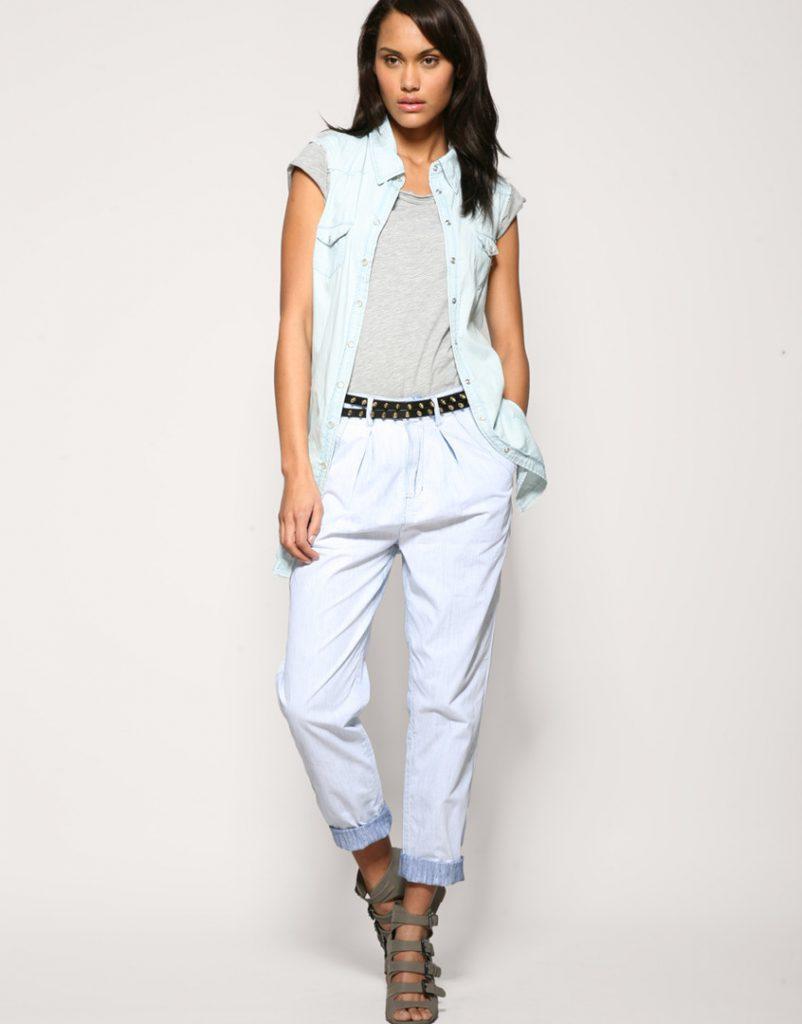 Белые стильные женские брюки чинос